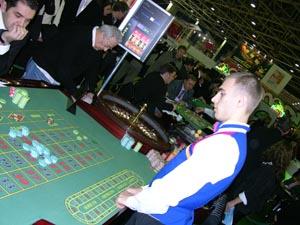 Рулетка школа крупье играть в игры обезьяна казино